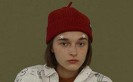 新品8.8折!TYAKASHA塔卡沙红色翻边贴标棉针织帽冷帽