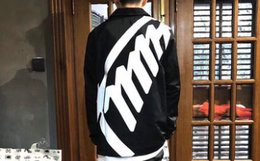 新品6折!TMMT撞色大字母印花教练夹克外套