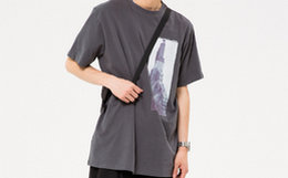 新品!ROARINGWILD 胶印建筑图像男女宽松短袖T恤