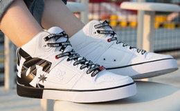 新品6.9折!DCSHOECOUSA 大logo字母系带男板鞋高帮鞋