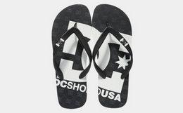 小幅优惠!DCSHOECOUSA 2018SS大logo撞色印花沙滩拖鞋