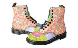 8.9折!Dr.Martens马丁博士8孔拼色彩绘印花拉丁高帮马丁靴