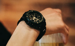 casio G-SHOCK GST-W300 金属风格撞色表盘男女运动手表